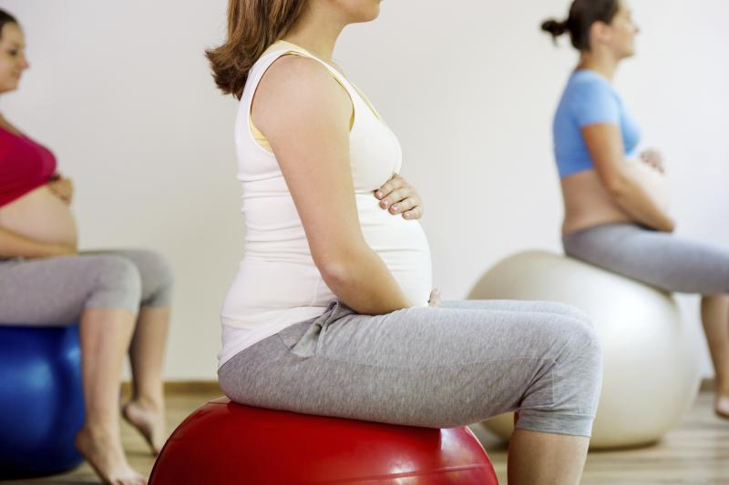 How to Maintain a Good Sitting Position during the 31st Week of Pregnancy